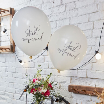 "White ""Just Married"" Wedding Balloons - pack of 10"